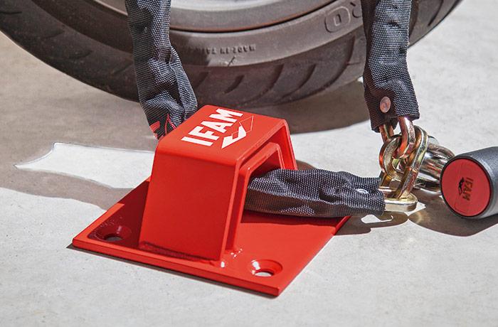 anclaje-moto-pit-stop-ifam-uso